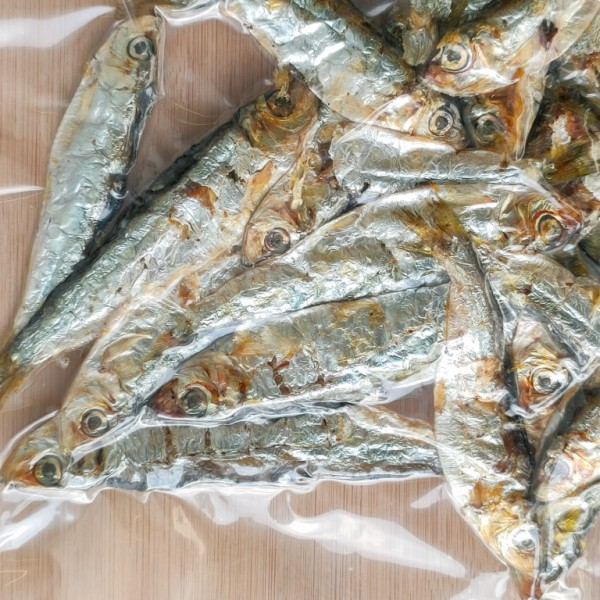 Dried Whole Sprats 150g bag, raw dog food