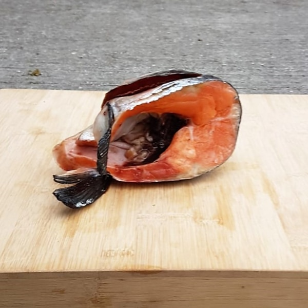 Whole Salmon Head raw Frozen